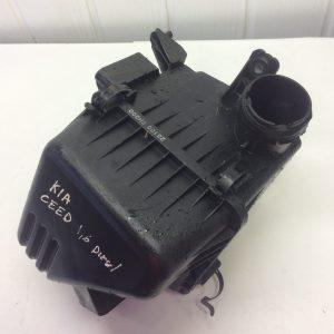 Kia Ceed 06-09m.1.6d. Oro filtro dėžė.