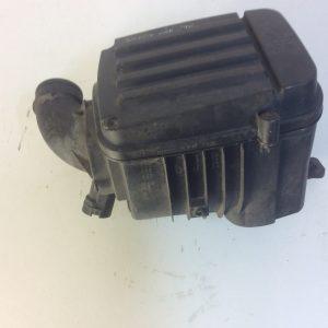 Volkswagen Golf V oro filtro dėžė.